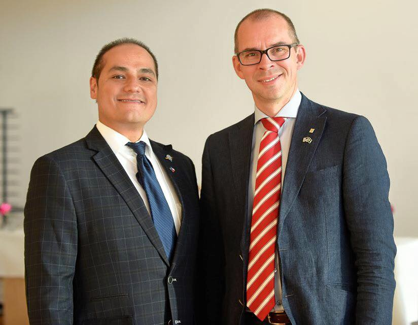 Ben Ramirez, Executive Director of the World Affairs Council of Austin's International Trade Center pauses for a photo with Luleå's Mayor Niklas Nordström.